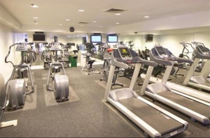 Room for rent in boston allston apt rooftop pool free gym
